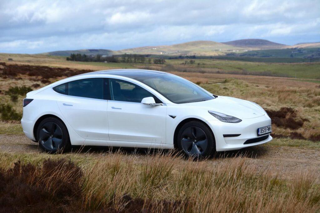 Tesla Model 3 обновляется (подробности): Обновлено с изображением